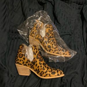 pazzle Shoes - Cheetah Booties